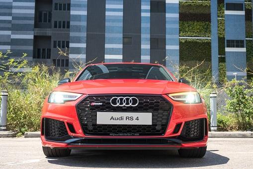 face avant Audi RS4
